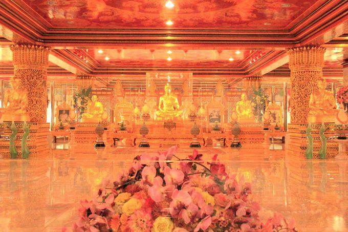 タイ仏教美術の粋を集めた寺院「ワット・パクナム」
