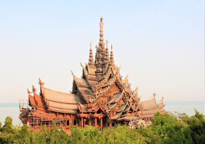 タイの巨大木造寺院「サンクチュアリ・オブ・トゥルース(Sanctuary of Truth)」