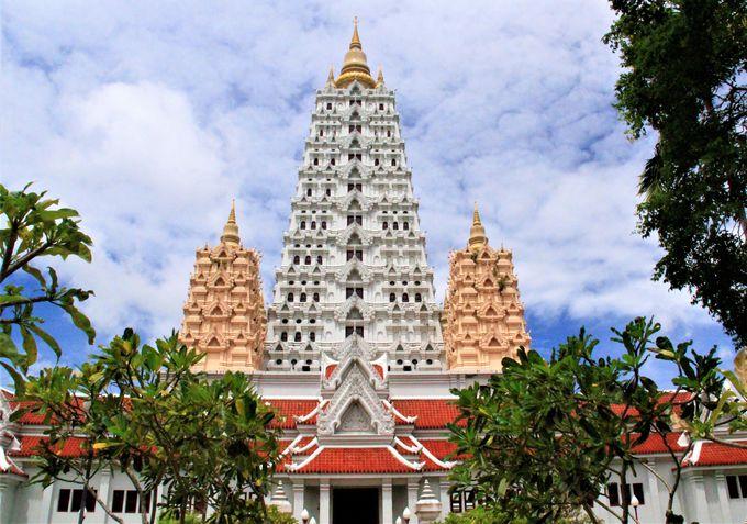 仏教と現代アートの融合「ワット・ヤンサンワララーム(Wat Yansangwara Ram)」