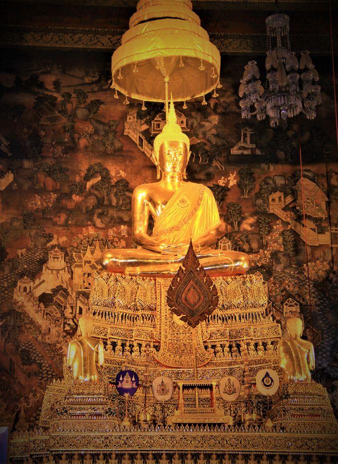 巨大な寝釈迦仏に圧倒される!タイ古式マッサージの総本山「ワット・ポー(涅槃仏寺院)」