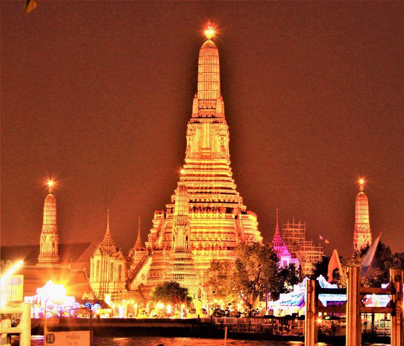 タイ三大寺院を効率よく巡る!バンコク観光名所を格安でツアーより楽しむ方法