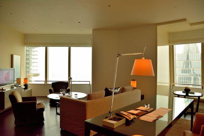 開放感溢れるシンプル&モダンな室内!(リビングルーム)
