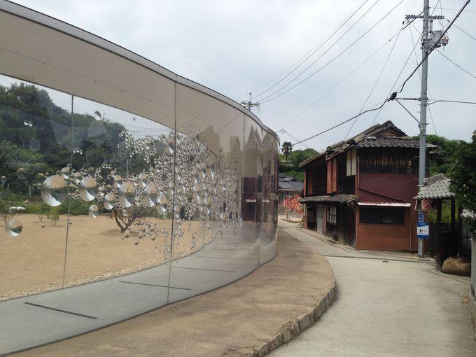 犬島の集落にはアートな家プロジェクトが
