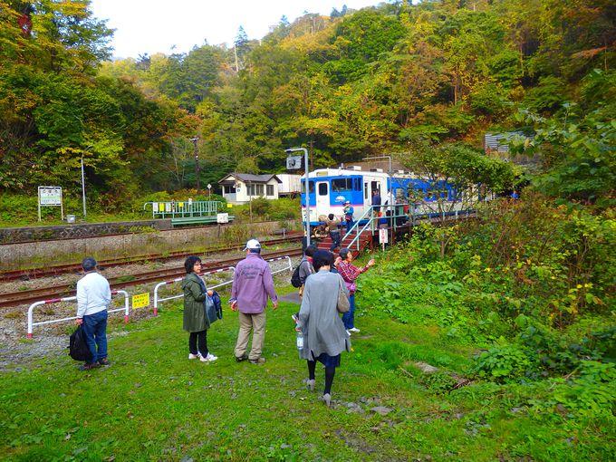 休日は今や一大観光地。小幌駅への意外な行き方も。