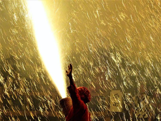 遠州新居手筒花火のハイライト「猿田彦煙火」
