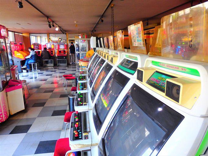 併設のゲームセンターにも珍古機とかパンティーとか