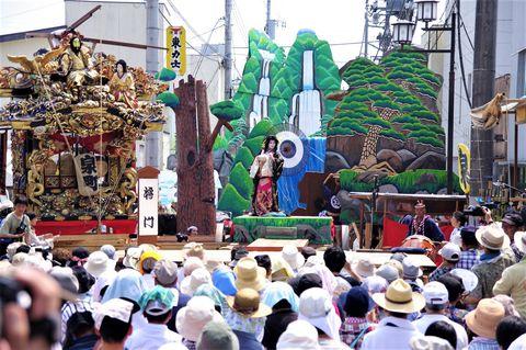 ナニこの野外大歌舞伎?栃木・烏山「山あげ祭」は規格外のユネスコ無形文化遺産