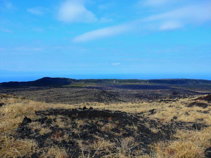 日本で唯一の砂漠は静の大地、火口は動の大地。