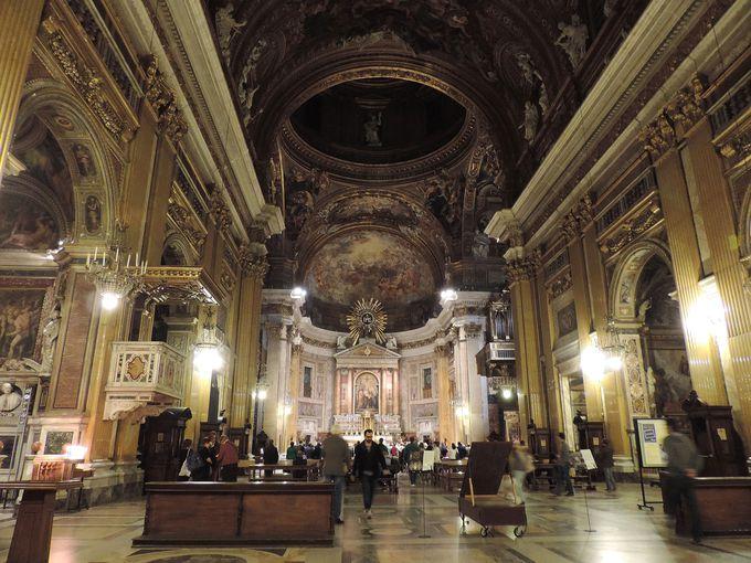 威厳と伝統ある美しい教会
