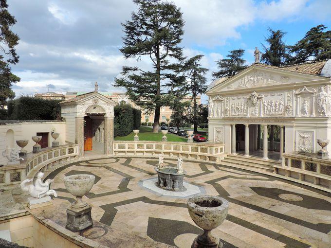 庭園の宝石、ピウス4世の館