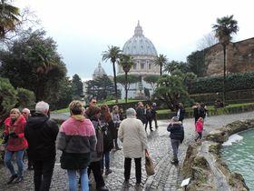 一般客もOK!世界一小さな国 バチカン市国の庭園を見学しよう!