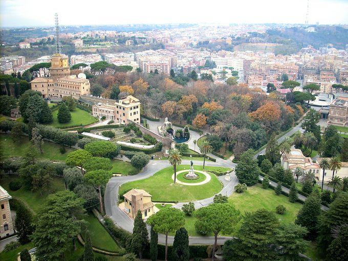 「庭園ツアー」なら世界一小さな国に入場可!