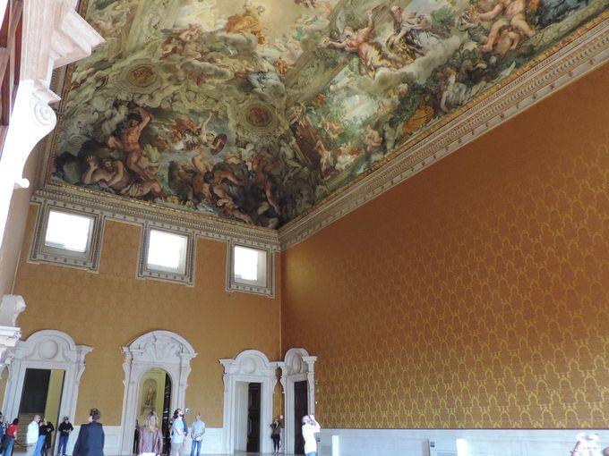 ここでしか見れない!美しいコルトーナの天井画