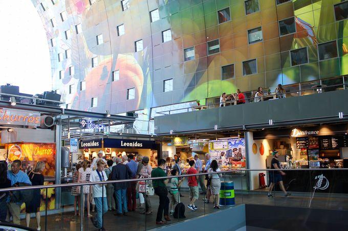 2015年5月にオープンした屋内市場も斬新なデザイン!