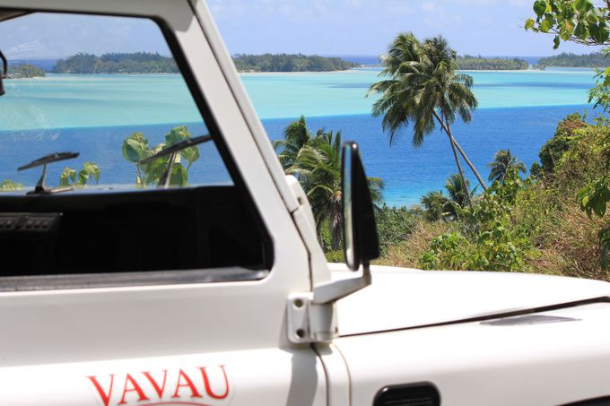 4WDに乗ってボラボラ島の自然と文化を満喫