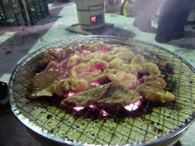 真冬に外で焼き肉!?話題の珍イベント「北見厳寒の焼き肉まつり」|北海道|トラベルjp<たびねす>