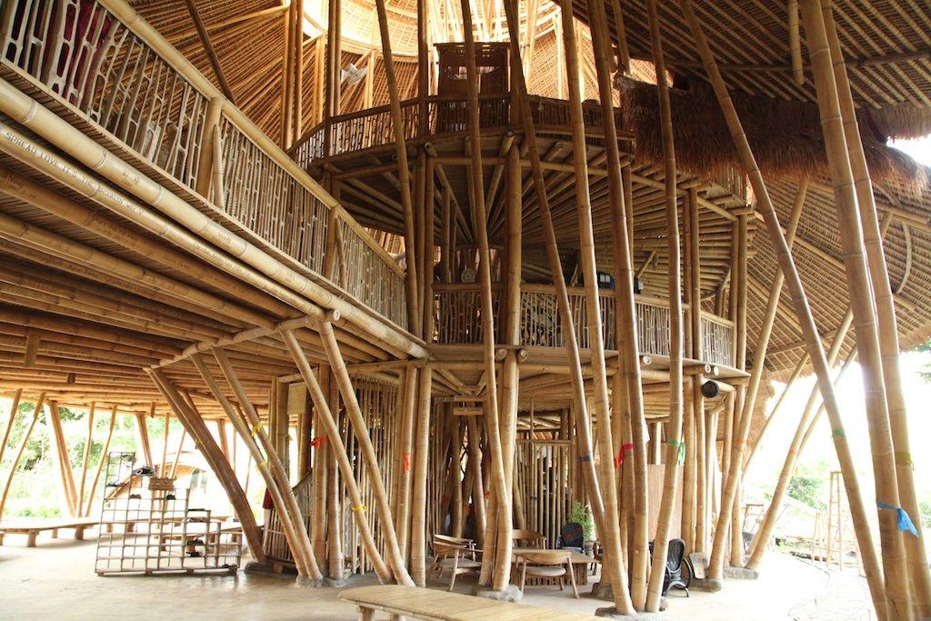 竹を使ったユニークで美しいキャンパス