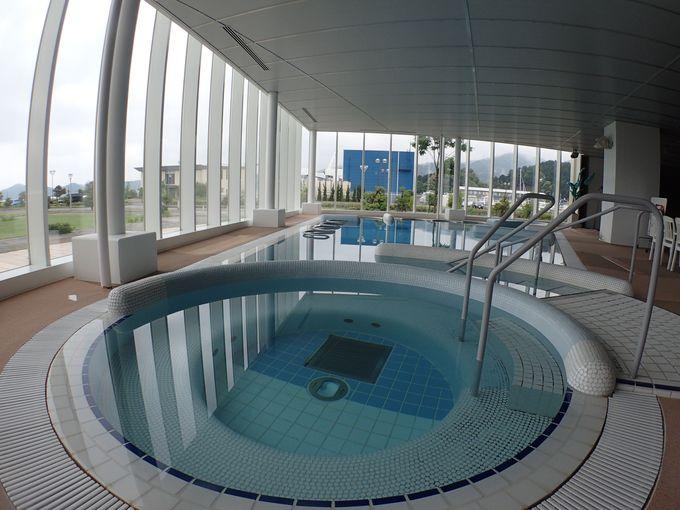 """天候に関わらず楽しめるスパや室内プールは、""""無料""""で利用可能!"""