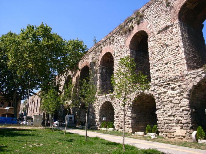 古代ローマ時代の遺構、ヴァレンス水道橋