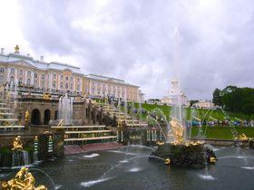 ロシアの世界遺産「ペテルゴフ」はバルト海を望む水の宮殿