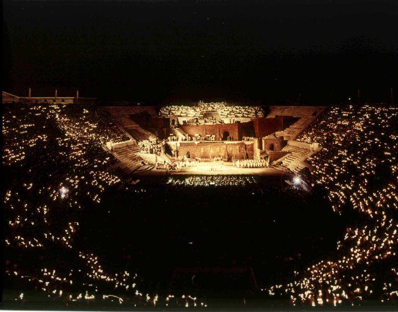 2017年ヴェローナ「Arena di Verona」野外オペラの魅力とチケット購入法