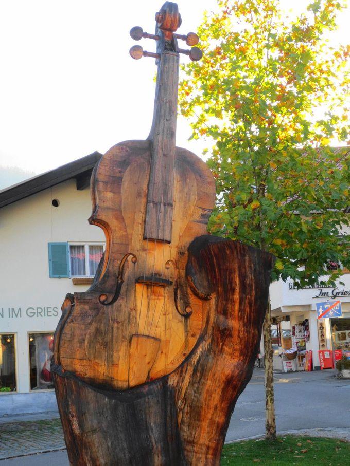 ミッテンヴァルトは、ヴァイオリン制作でも有名な町。ヴァイオリン博物館や工房も!