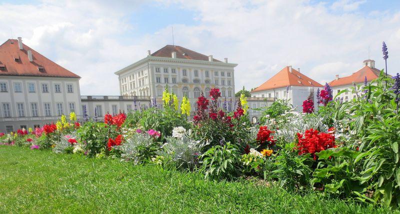 ミュンヘン「ニンフェンブルグ宮殿」!豪華絢爛・白亜の城の見どころをご紹介!