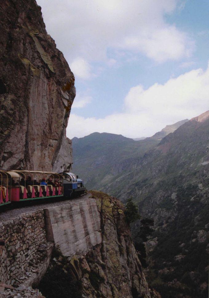 アルトゥーストのトロッコ列車に秘められた歴史!