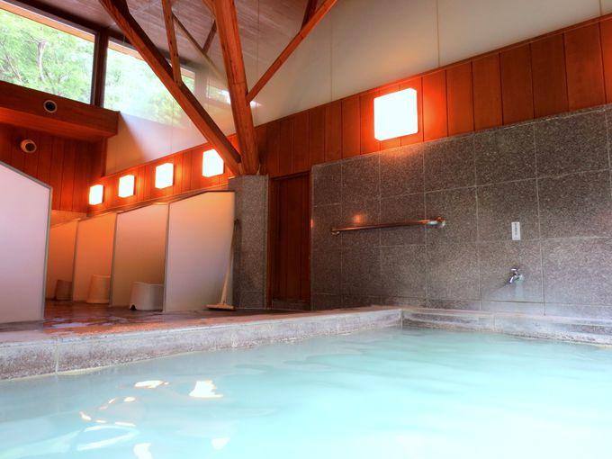 内風呂だって絶景!そして嬉しいプライベートスペースの洗い場!