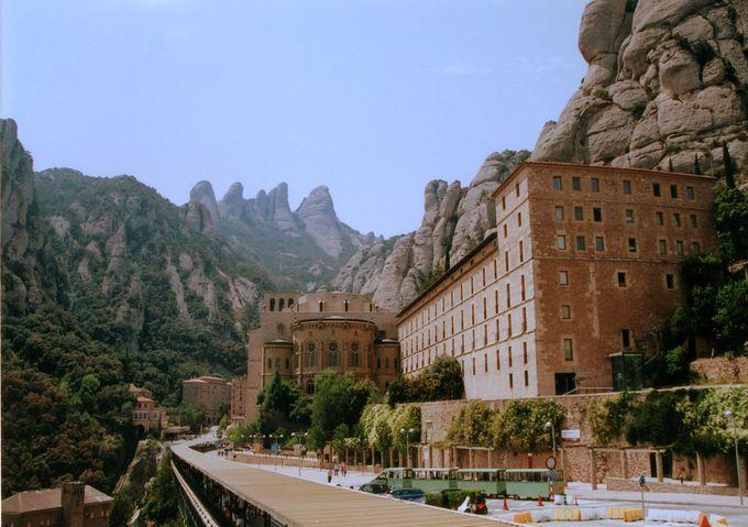 ガウディの参加した作品も!カタルーニャの聖地・モンセラ!