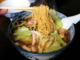 ケンミンSHOWでも話題!塩原・スープ焼きそば「釜彦」&「こばや食堂」2大名店の魅力にせまる|栃木県|トラベルjp<たびねす>