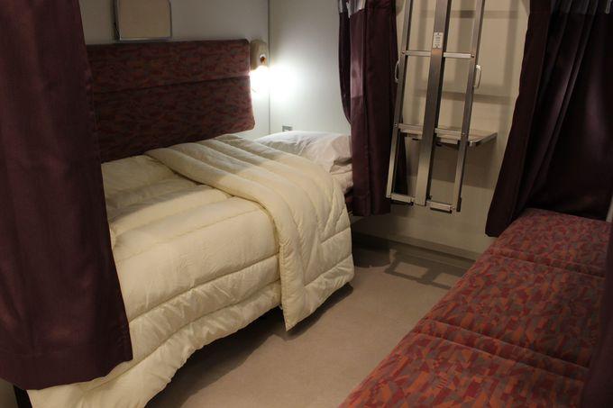 4階は男女のゲストルーム。布団の寝心地も抜群。