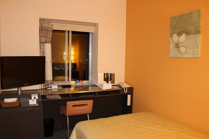 ビジネスホテルの域を超えるステキな客室。