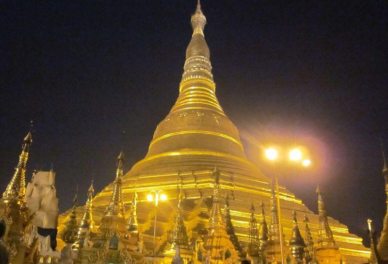 珍体験も!?ヤンゴンでシュエダゴン・パゴダを満喫するための3つのポイント
