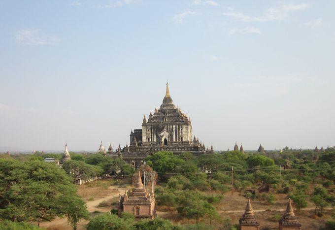 バガン一高い!圧倒的な貫禄の「タビィニュ寺院」
