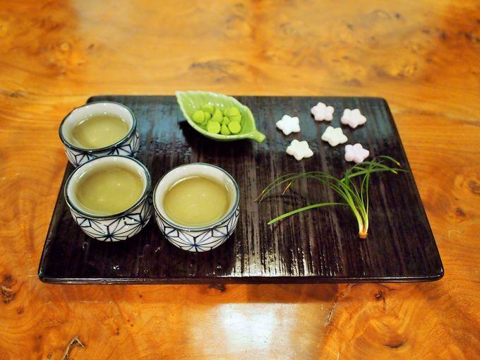お店に入るとお茶と和三盆が無料!