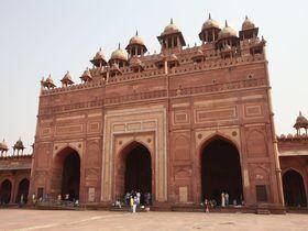 14年で放棄された幻の都、インドの世界遺産ファテープル・シークリーは見逃せない!