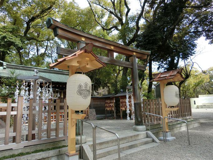他の神社とは一風変わった境内。日常に溶け込んだ「祭神」