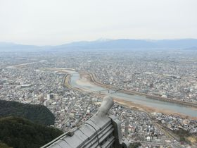 「岐阜城」で360度の絶景パノラマ!好条件なら名古屋市街も一望できる!|岐阜県|トラベルjp<たびねす>