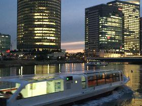 遊び心が至る所に!横浜「ポートサイド地区」は幻想的空間