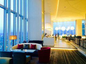天空や宇宙を連想させる阿倍野「大阪マリオット都ホテル」の絶景ラウンジで非日常を!|大阪府|トラベルjp<たびねす>