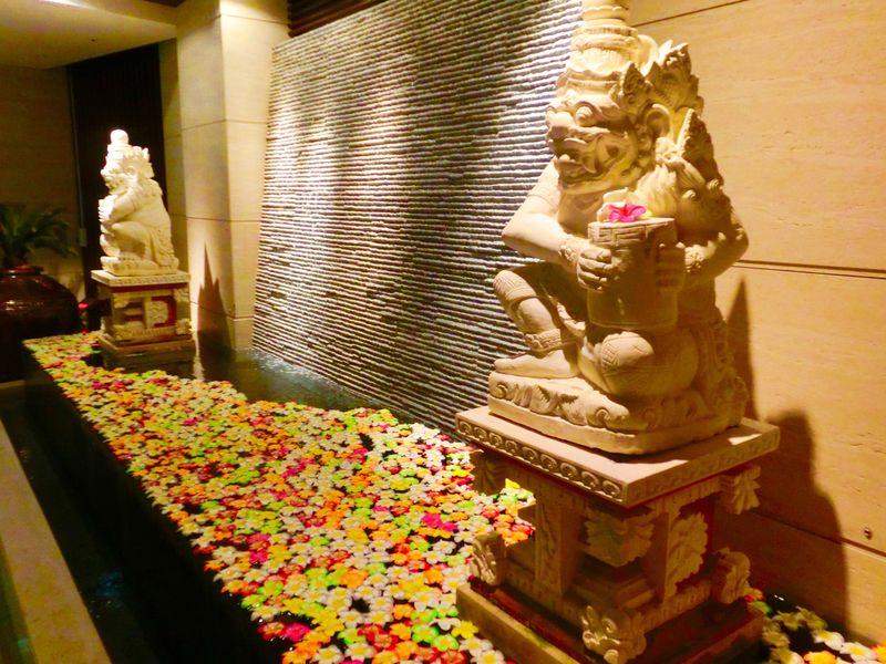 まるで神秘的なバリのリゾート!「ホテルバリタワー大阪天王寺」