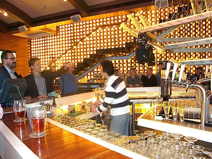 ケリーホテル併設のエレガントな地ビールレストラン@上海