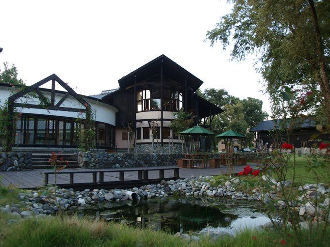レストラン、ビール醸造所、ガーデンパーク。様々な機能を持つ複合施設。