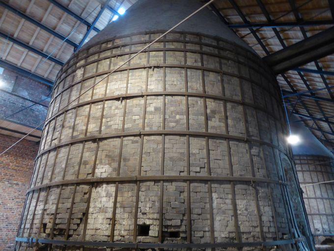 巨大な陶器窯