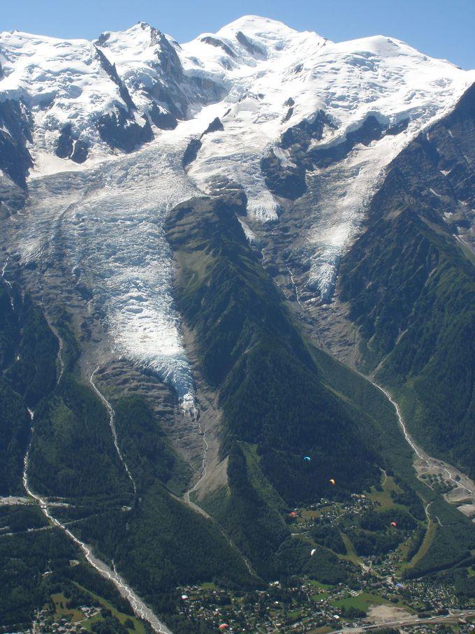 モンブランとボソン氷河を目の前に大迫力の眺め!