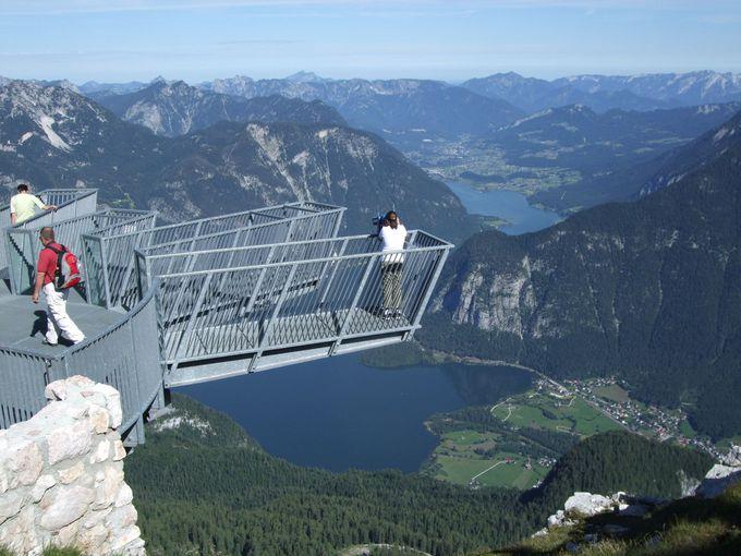ハルシュタット湖を見下ろす絶景は、ファイブフィンガーズから!