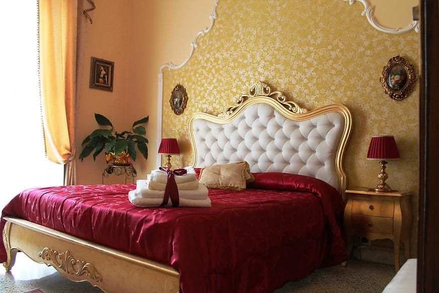 エレガントなバロック様式の客室