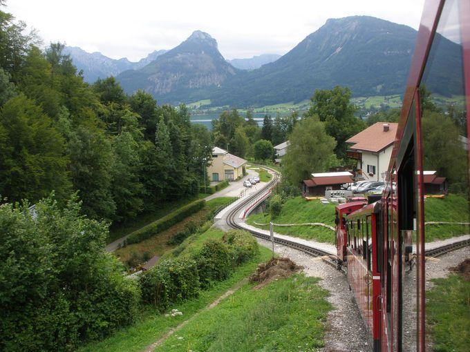 シャーフベルグ登山鉄道で『サウンド・オブ・ミュージック』の世界へ!