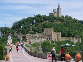 ブルガリアの古都「ヴェリコ・タルノヴォ」の美しき旧市街を歩く